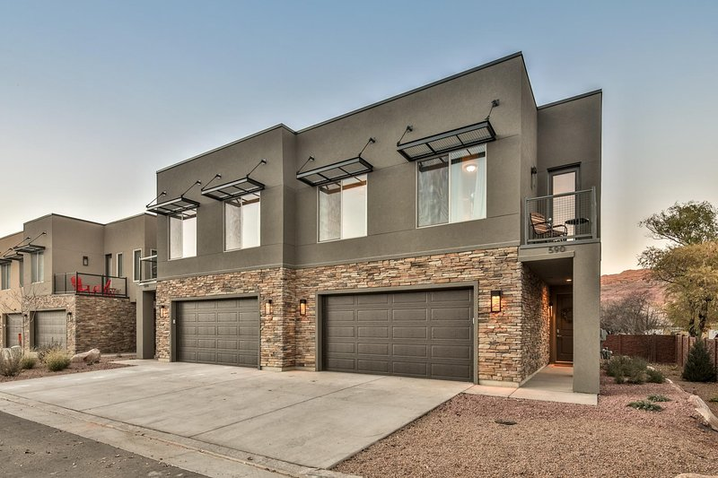 Entrada #590 - Luxury Townhome - located in the heart of Moab!