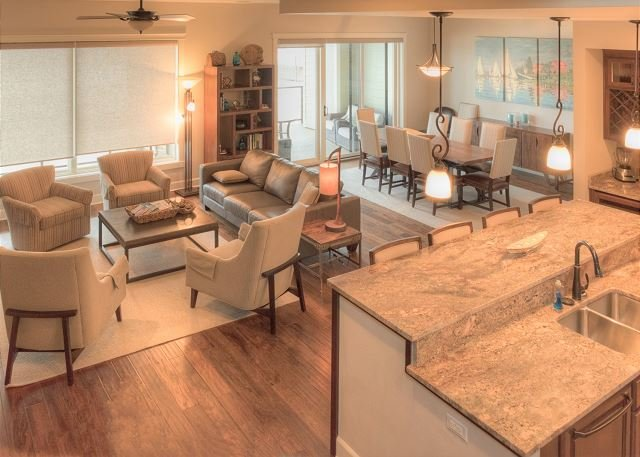 Seasons at Sandpoint - Large Lakefront Townhome - Great for Families & Groups, holiday rental in Ponderay