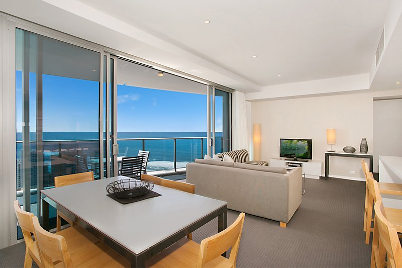 GCHR Orchid Residences Apt 22502 - 2 BR Level 25 (1K+1D), location de vacances à Surfers Paradise