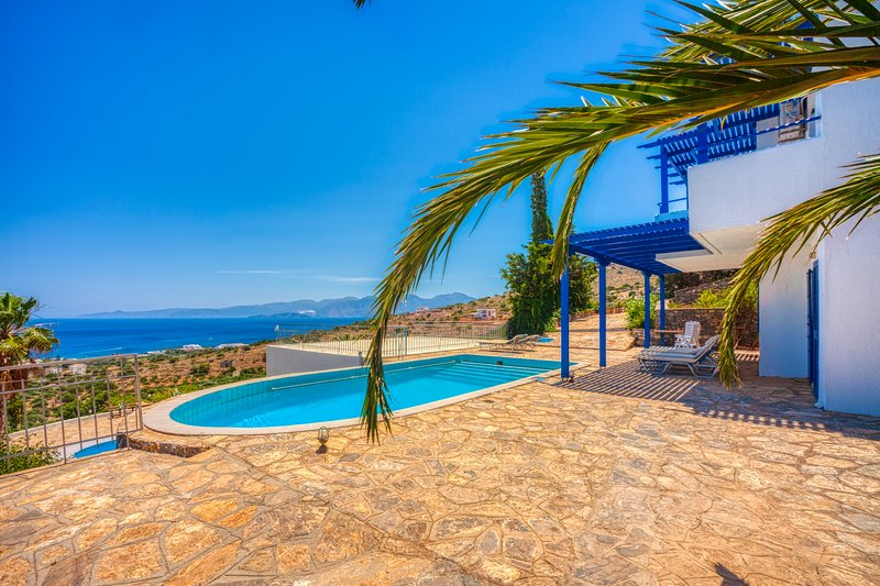 Elounda Sea View Villa Bart, location de vacances à Crète