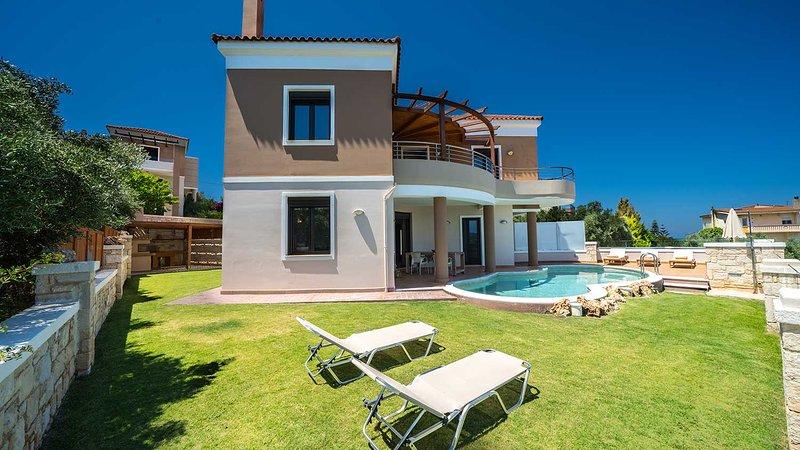 Stelina Luxury Villa, Marathokefala Chania, vacation rental in Platanias