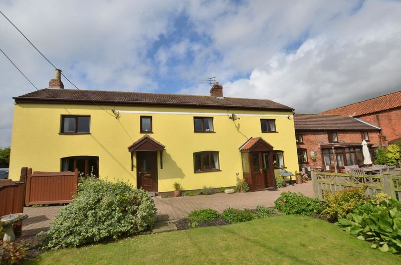End barn cottage with garden, free bikes,  free parking, and self check in, holiday rental in Scunthorpe