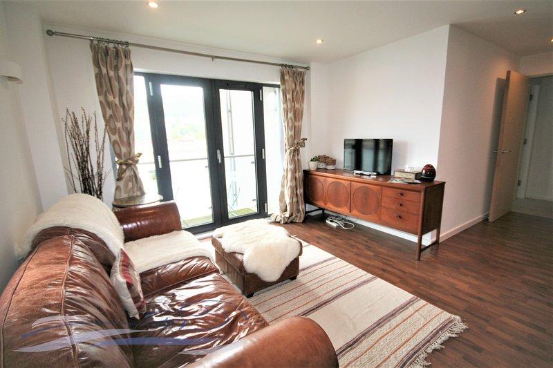 Two Bedroom Apartment - South Quay, location de vacances à Port Talbot