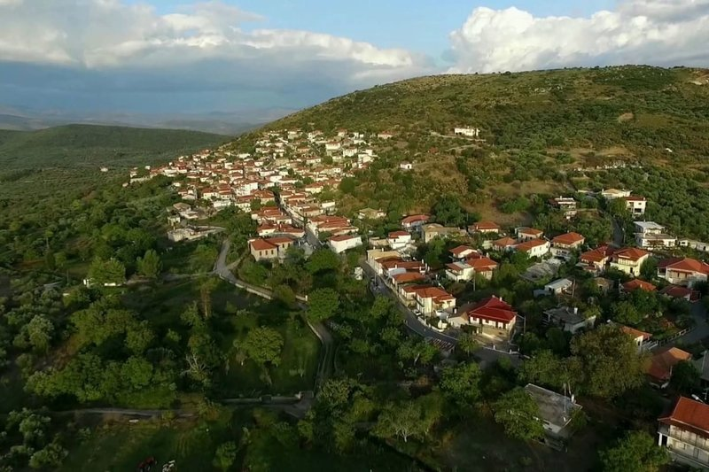 Manor house, graphical village, holiday rental in Neochori