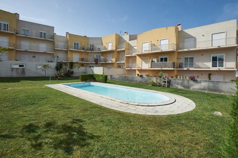 Kahau Apartment, Ericeira, Mafra !New!, alquiler de vacaciones en Santo Isidoro