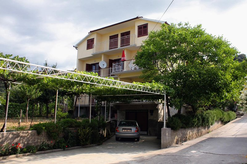 One bedroom apartment Palit, Rab (A-5048-c), vacation rental in Mundanije