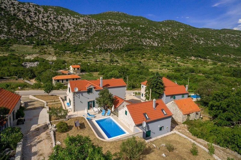 Villa Roglić, vacation rental in Velim
