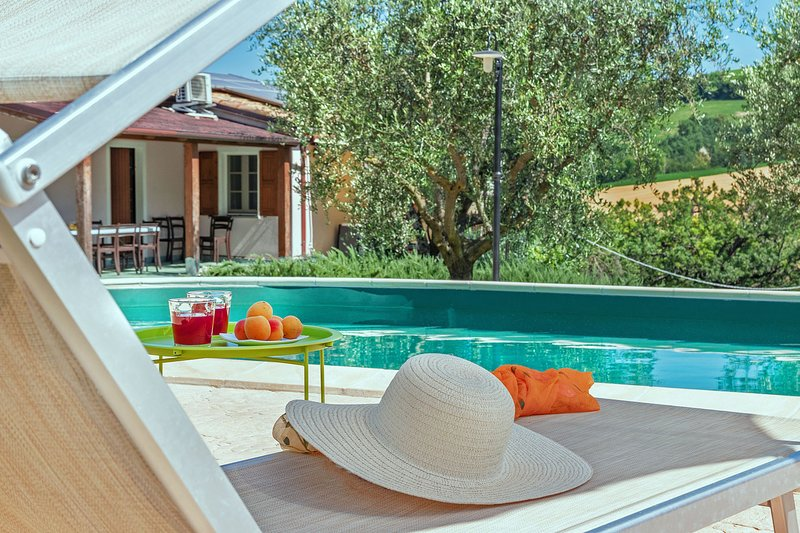 Villa Rosa - Private villa with pool for groups up to 10