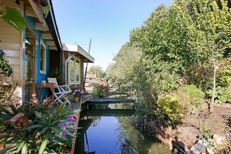 Garden Studio Harbour Amsterdam / Zaandam Zuid, holiday rental in Zaandam