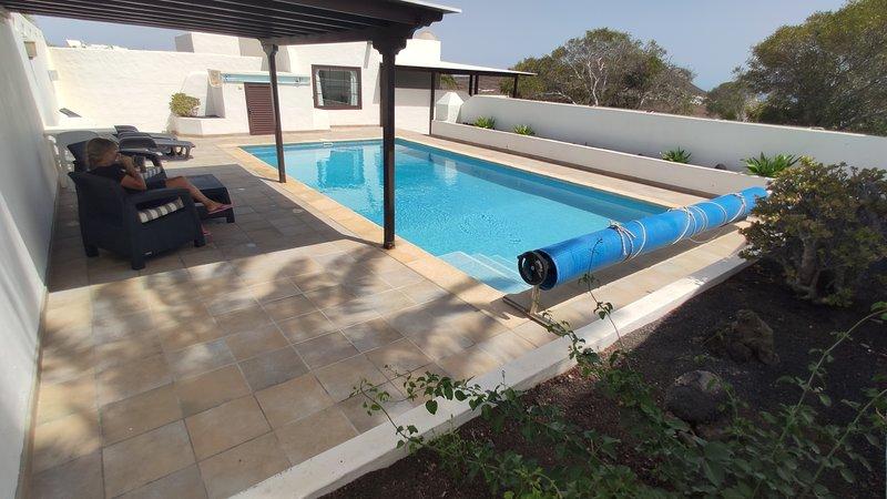 Ferienhaus mit Pool in ländlicher Umgebung, location de vacances à Teguise