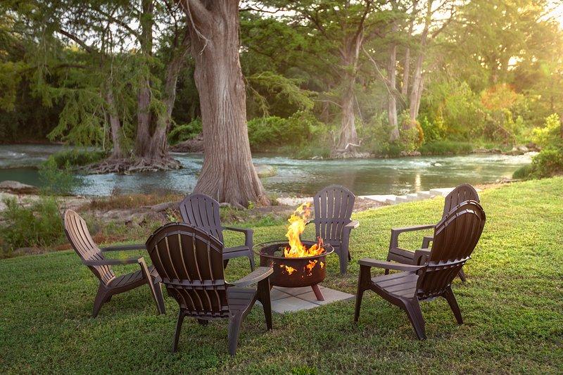 The Retreat at Cottonseed Falls, location de vacances à San Marcos
