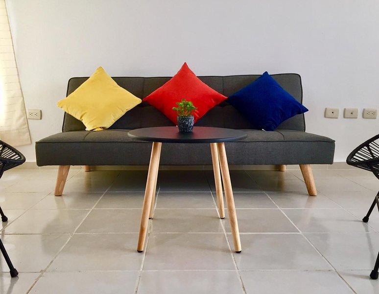 Casa La Fragata. Moderna y confortable a 5 minutos de playa., aluguéis de temporada em Petatlan