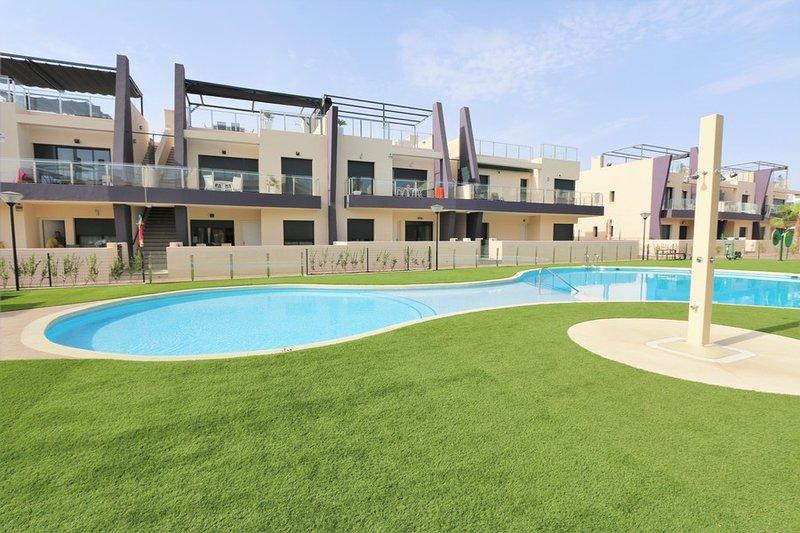 VDE-046 Modern ground floor apartment close to beautiful sandy beaches, aluguéis de temporada em Torre de la Horadada