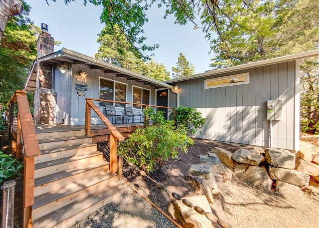 GRAY WHALE~MCA 935~Charming home, great for a small family and pet friendly!, holiday rental in Manzanita