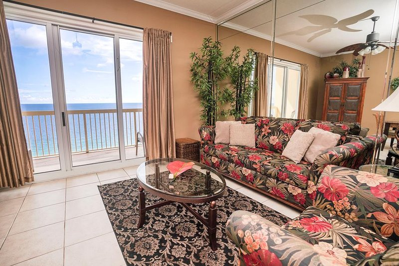 Living Area with Direct Beach & Gulf Views