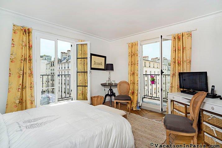 Heavenly rue Cler Market One Bedroom - ID# 338, holiday rental in Saint-Denis