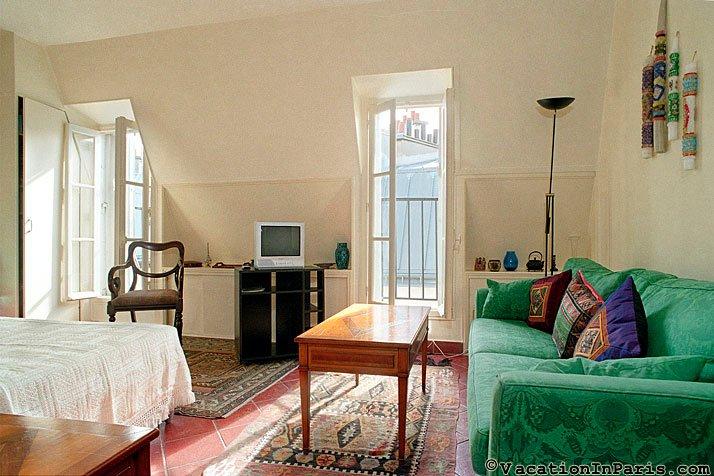Petit Coin de Paradis Studio - ID# 112, holiday rental in Paris