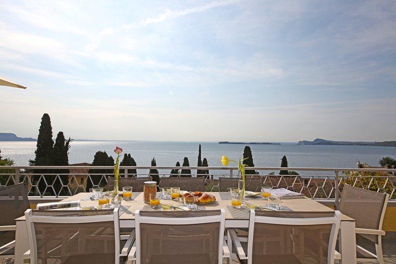Appartamento vista isola del Garda, holiday rental in Gardone Riviera