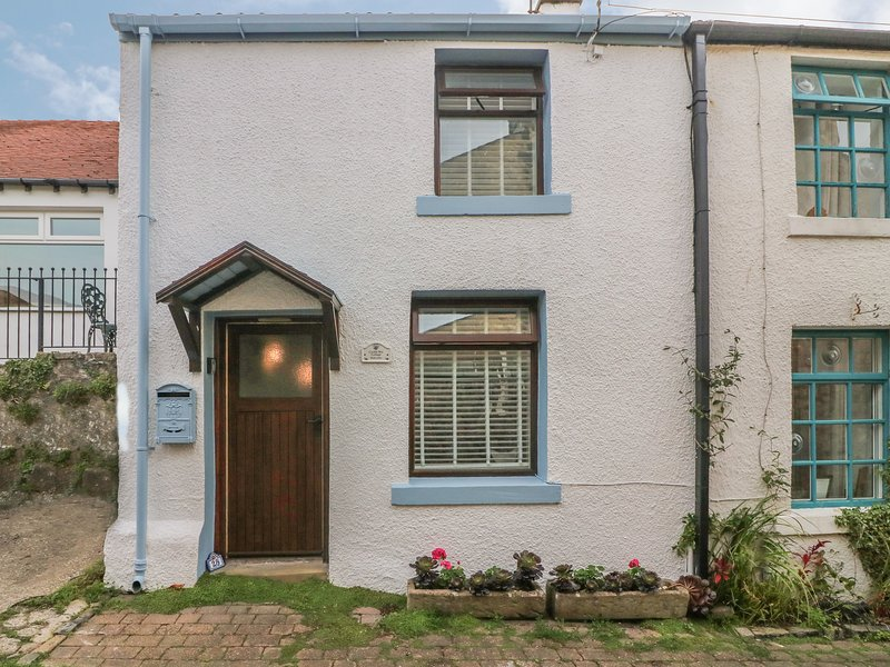 Cockle Bay Cottage, Heysham, holiday rental in Overton