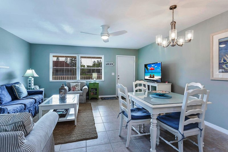 Best Value & Location! Gulf Front Complex--Updated Beach Side Condo-Sanibel Arms, holiday rental in Sanibel Island