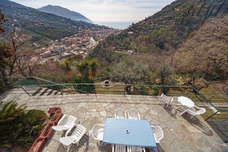 Villa Pia con piscina Recco Camogli Cinque Terre a, location de vacances à Vescina