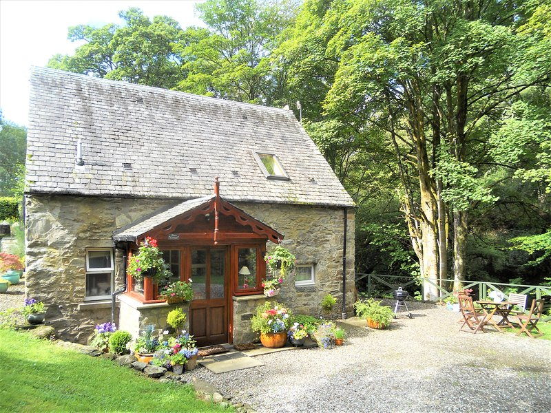 Barn Cottage, holiday rental in Loch Lomond and The Trossachs National Park