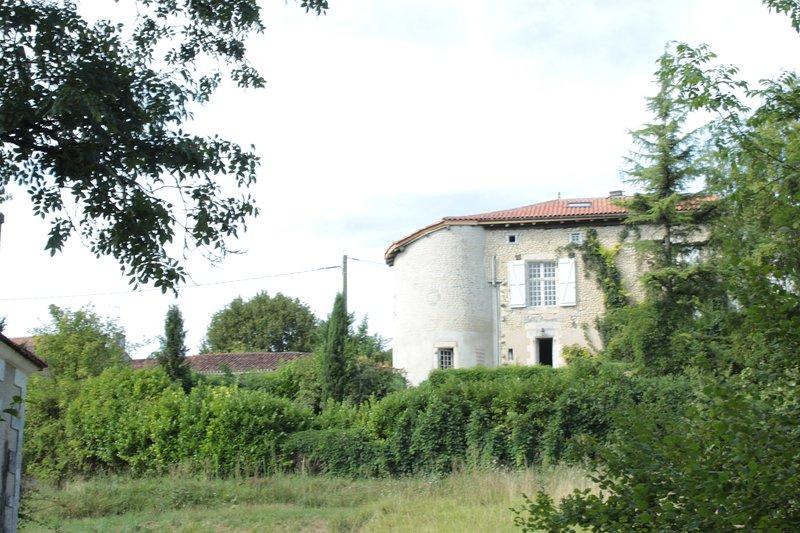 A L'Abri du Chateau Palluaud, holiday rental in Saint-Paul-Lizonne
