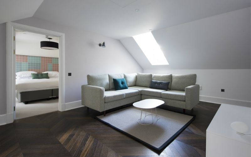 Superior 2-bedroom apartment within the beautiful surrounds of Lews Castle, holiday rental in Adabroc