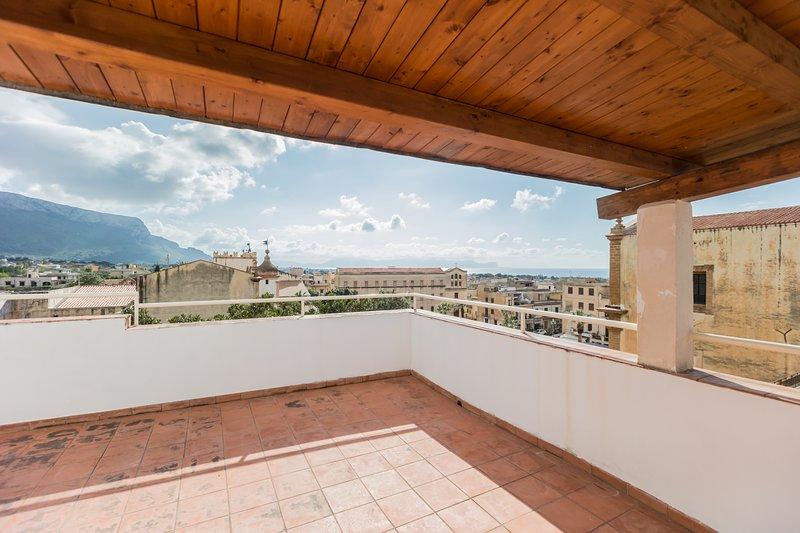 Residenza storica #123 - Cinisi Centro - Zangara Flat - Aeroporto Palermo, vacation rental in Cinisi