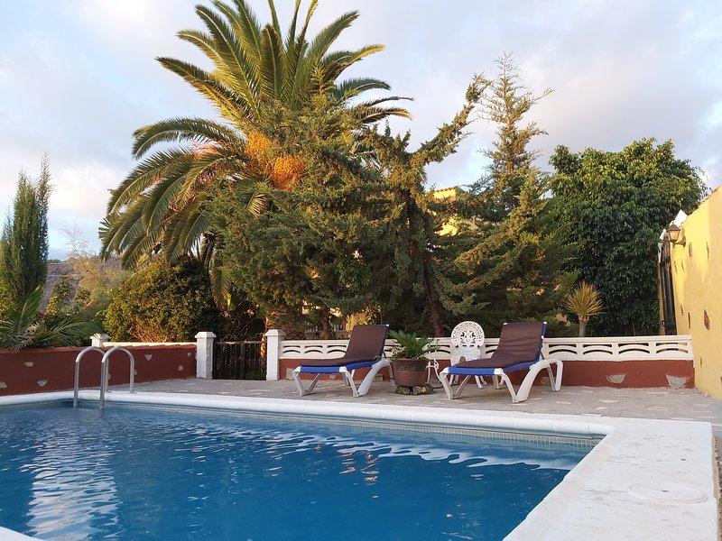 CASA JORSAM!.casa ENTERA,INTIMA,ACOGEDORA en la  zona PRIVILILIGIADA de la palma, holiday rental in La Palma