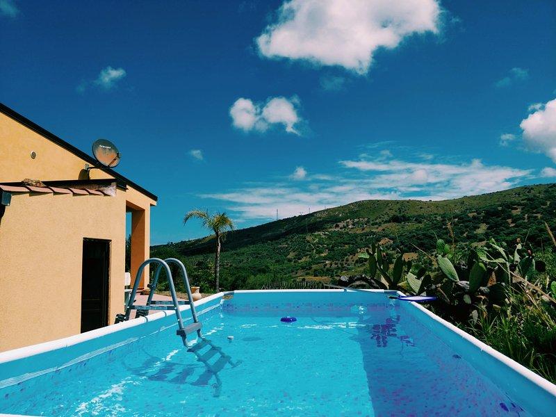 Casa Pizzido - Vacationhome near Cefalu, holiday rental in Scillato