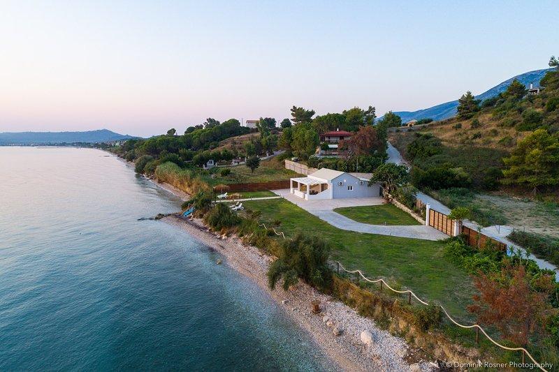 Potamakia Luxury Beach Apartments, holiday rental in Alykes