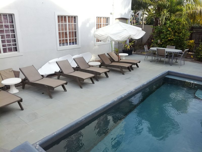Palm Villa appartement avec piscine, holiday rental in Pamplemousses District