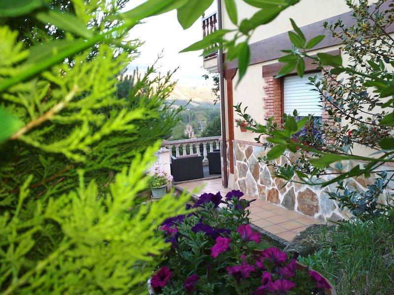 APARTAMENTOS TURISTICOS LA ESCUELA DE VILLEGAR DE TORANZO, casa vacanza a Santa Maria de Cayon