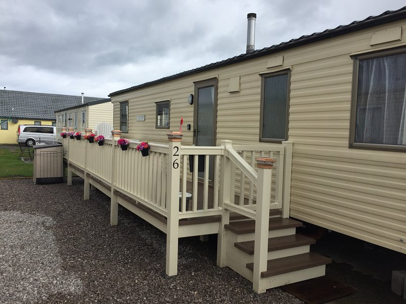 SALSA  3 BED SLEEPS 8 LYONS ROBIN HOOD, alquiler de vacaciones en Denbighshire