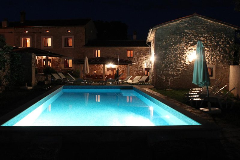 Villa Barbara Barban with private pool, outdoor furniture, garden, free parking, vacation rental in Orihi