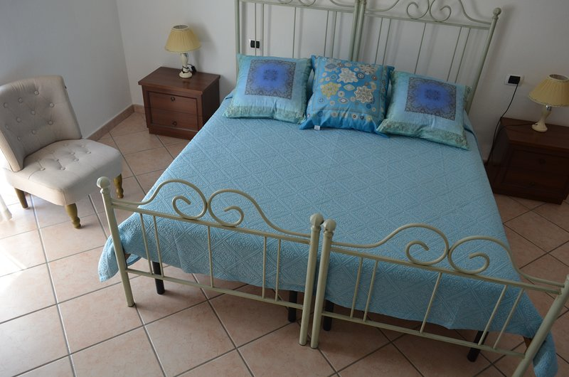 Bed and Breakfast Oliena, vacation rental in Mamoiada
