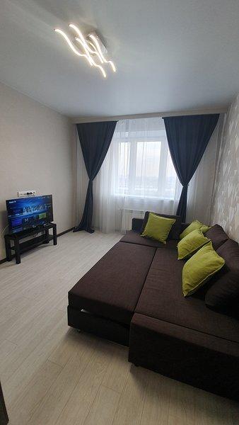 Видовые апартаменты 'Серебряный берег', holiday rental in Omsk