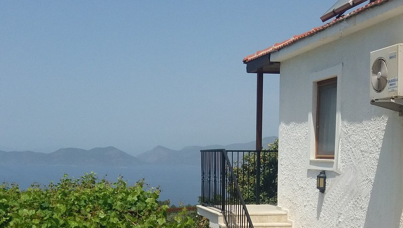 Mandalin Tatil Evi Faralya, holiday rental in Faralya
