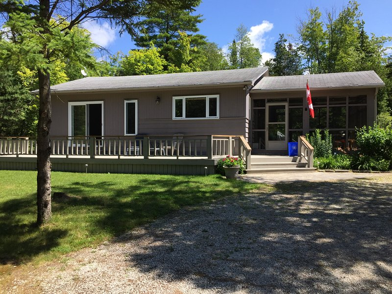 Family Cottage rental in North Sauble Beach – semesterbostad i Owen Sound