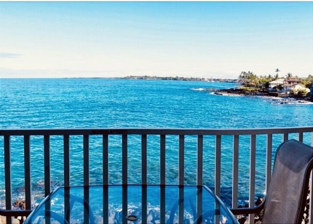 Sea Village 2nd floor Direct Oceanfront unit with extensive upgrades, vacation rental in Island of Hawaii