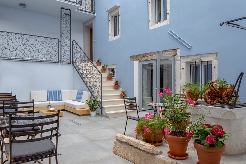 Boutique Rooms Mirabilis, holiday rental in Lozovac