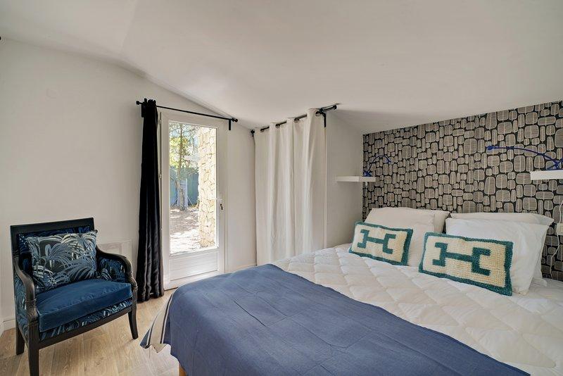 Maison de charme Carpentras, 4 chambres, jardin privé, piscine, parc, top déco, vacation rental in Carpentras