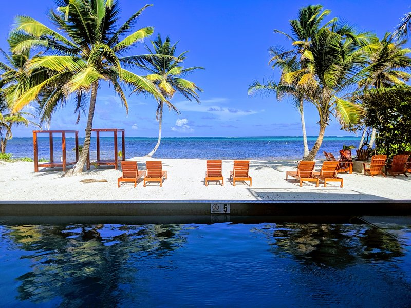 Mangata Villas - Beachfront Villas, holiday rental in Xcalak