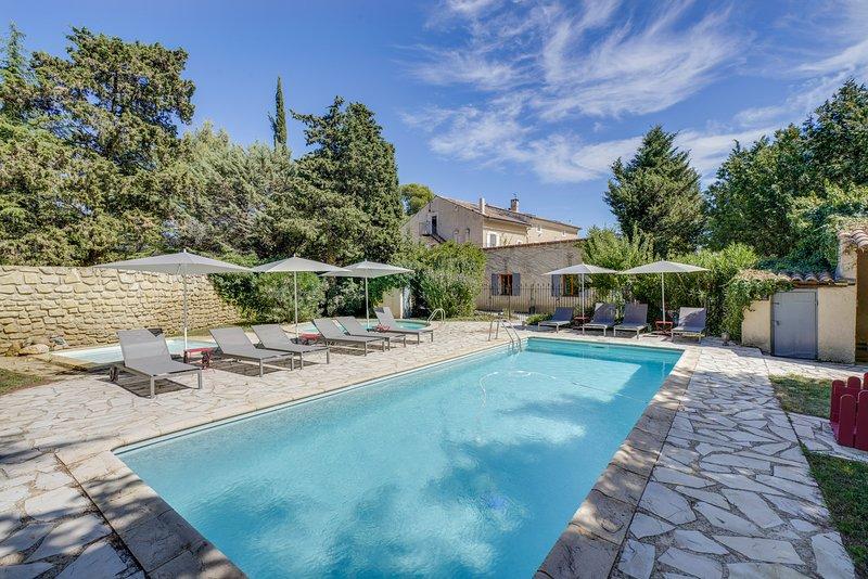 Maison de charme Luberon Ventoux 12 couchages|piscine|jardin privatif, vacation rental in Carpentras
