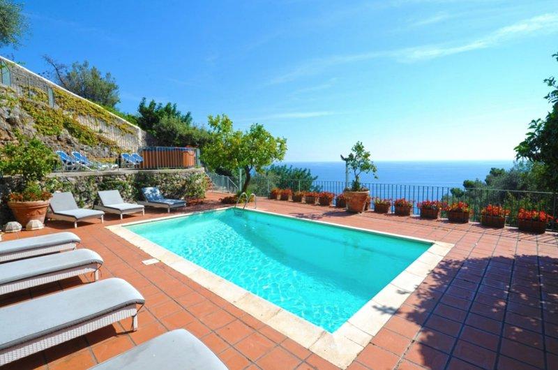 Villa I Giardini dell'Eden, vacation rental in Vettica