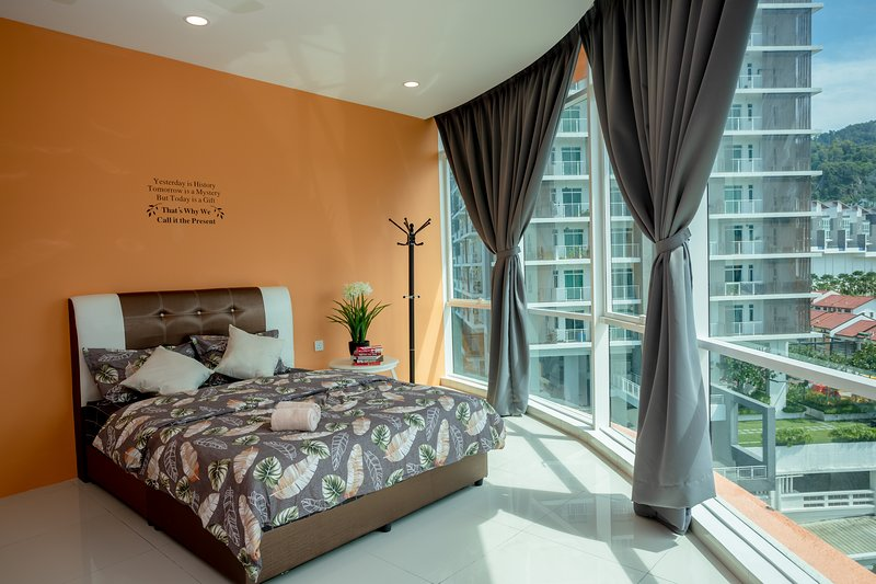 Sweet and Relaxing Homestay for 9 pax and above, casa vacanza a Bayan Lepas