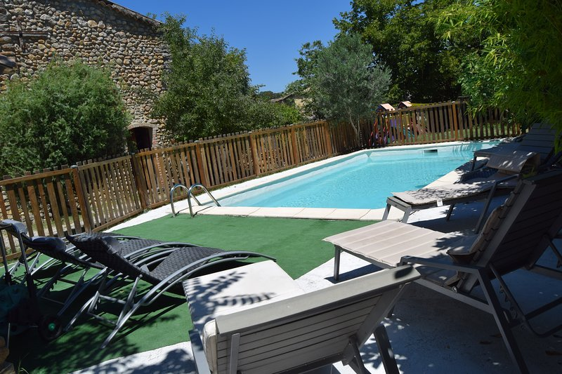 Mas ancien tout confort piscine, vacation rental in Servas