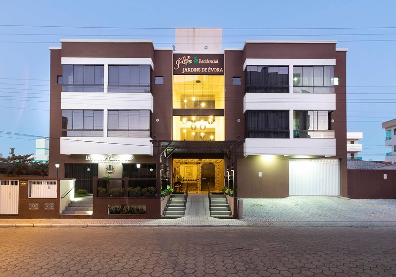 Aluguel Apartamento Duplex 14 p/ 5 pessoas Bombas/SC, location de vacances à Bombas