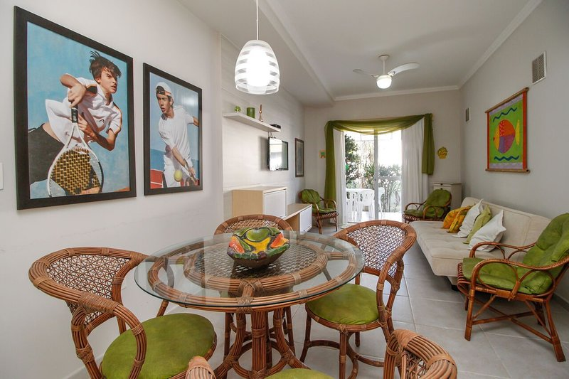 Aluguel Casa 2 quartos s/ 1 suíte | Bombas/SC, location de vacances à Bombas